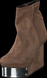 V Ave Shoe Repair - Plate Boot